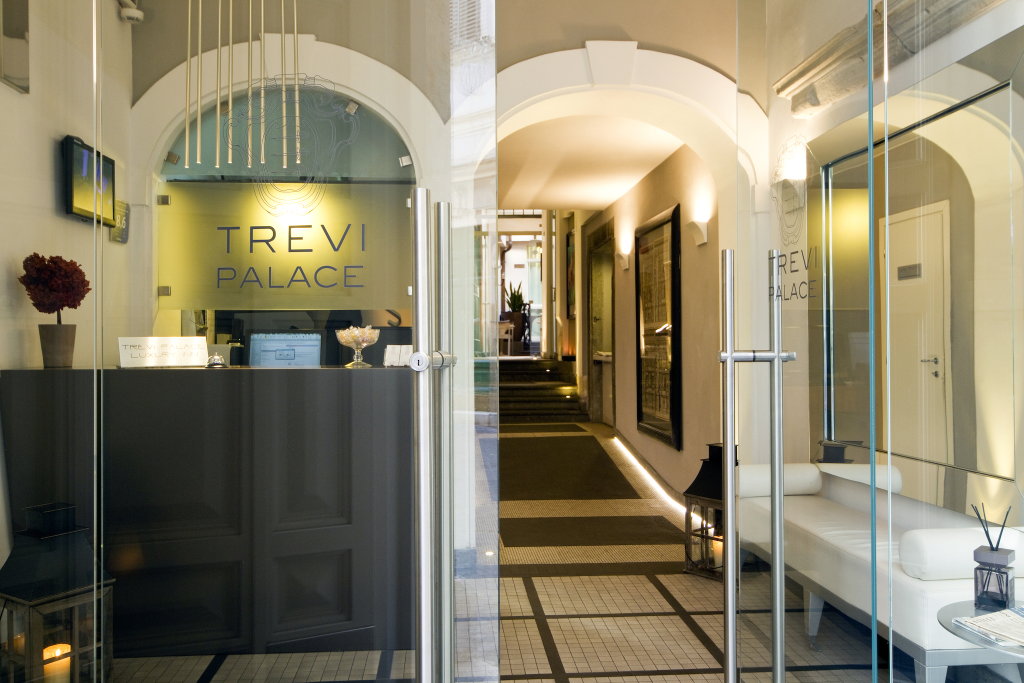 Trevi Palace Luxury Inn | Rome | An XVIII Century travertine
