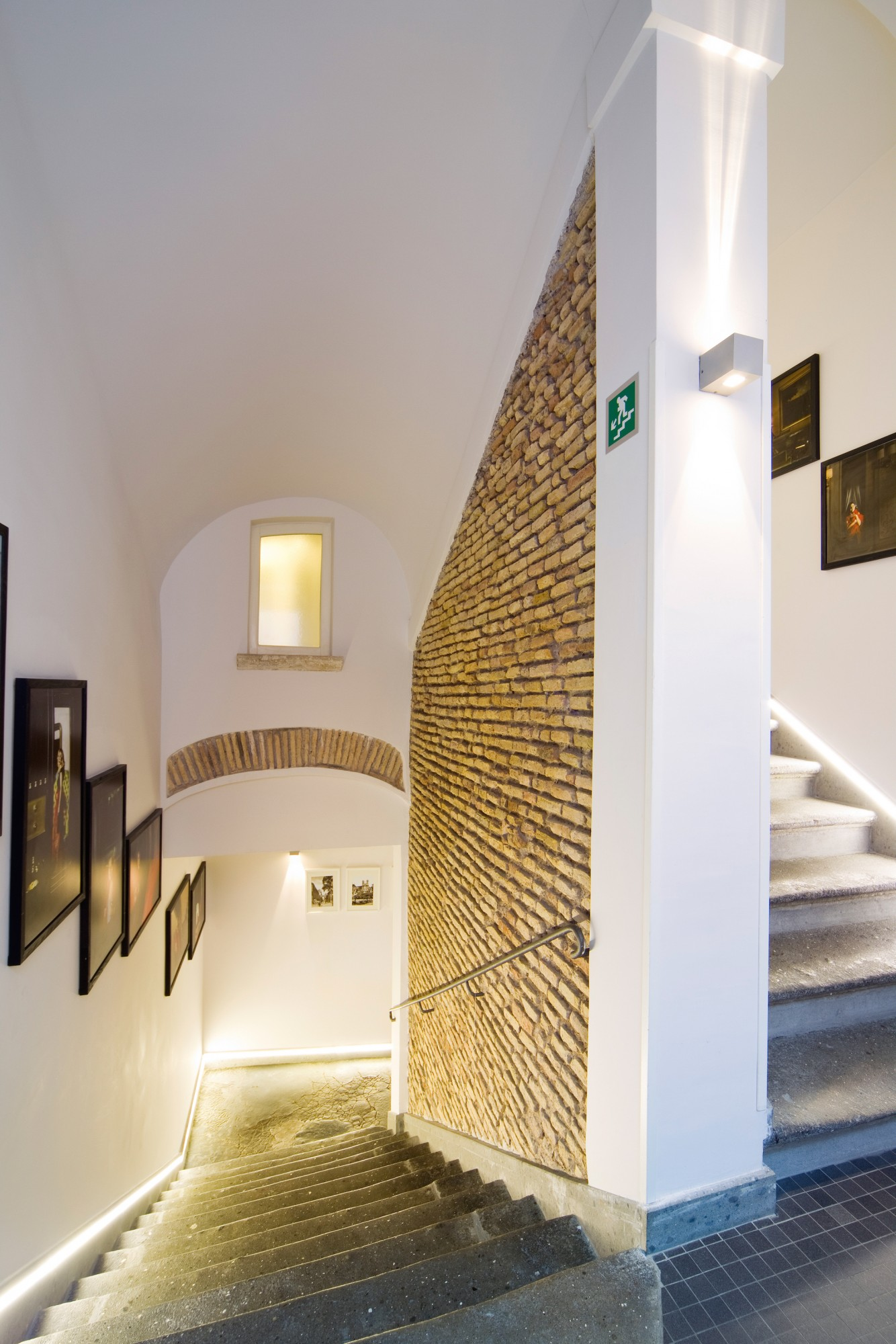 Trevi Palace Luxury Inn | Rome | Galleria 1