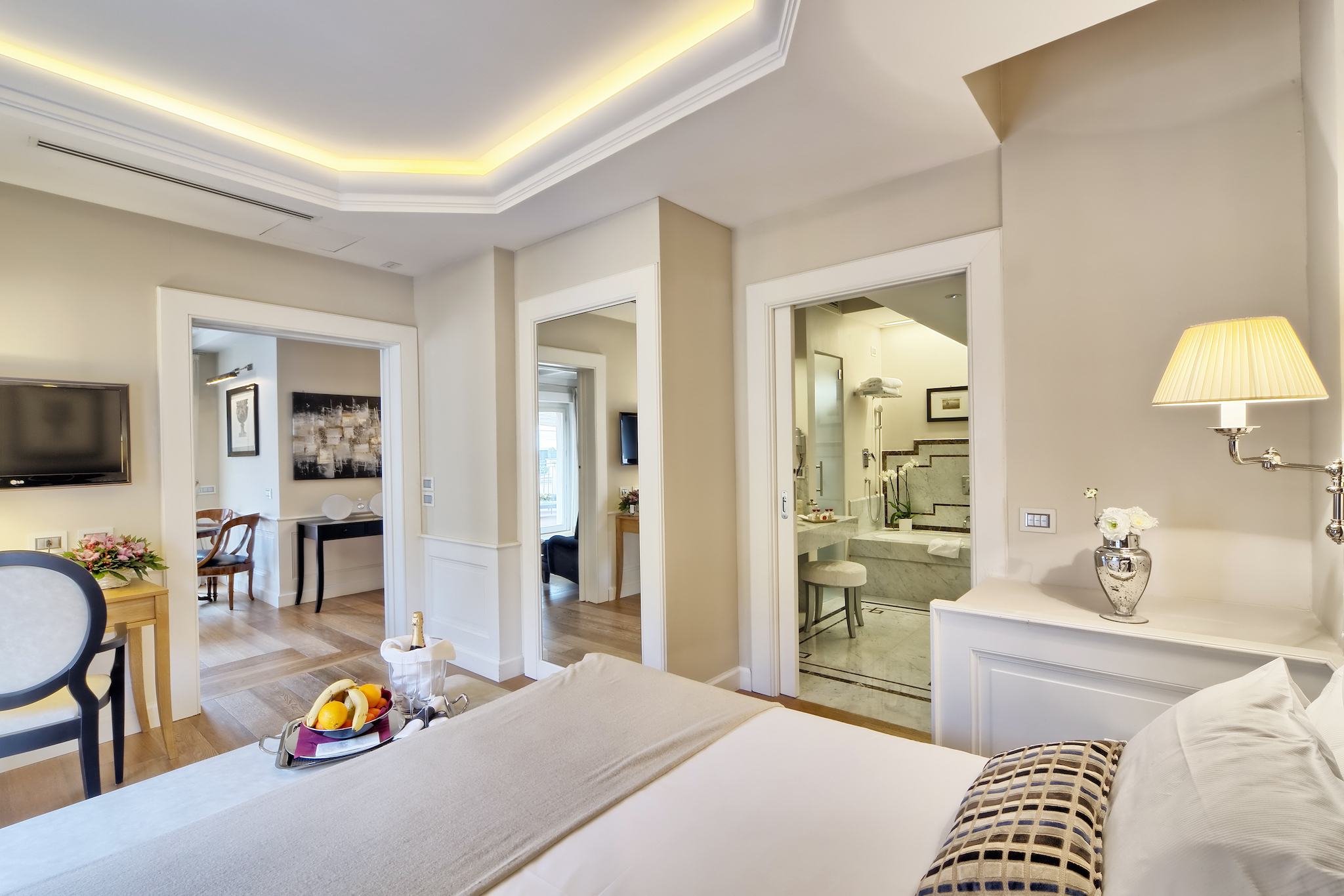 Trevi Palace Luxury Inn | Rome | Master Suite
