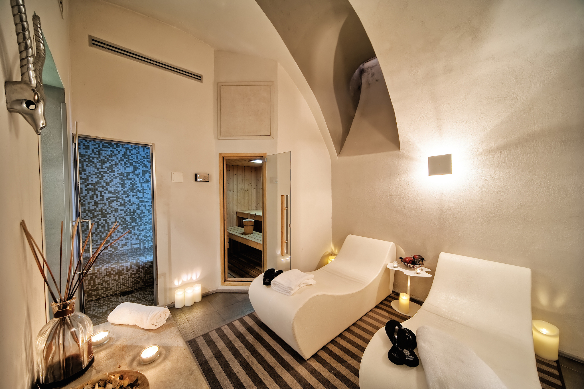 Trevi Palace Luxury Inn | Rome | Photos 1